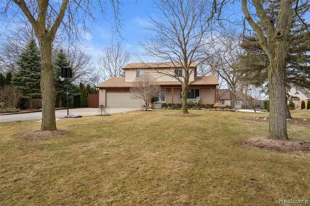 54275 Romeo Plank Road, Macomb Twp, MI 48042 (#2200020452) :: Springview Realty