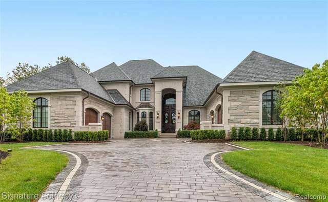 2915 Turtle Pond Court, Bloomfield Twp, MI 48302 (MLS #2200020490) :: The John Wentworth Group