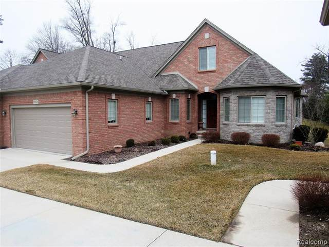50828 Redwood Lane Lane, New Baltimore, MI 48047 (#2200021320) :: Duneske Real Estate Advisors