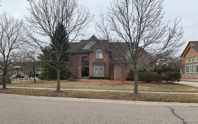 4568 S Ridge Drive, West Bloomfield Twp, MI 48323 (#2200021859) :: RE/MAX Nexus