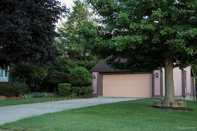 8241 Lake Pine Drive, Commerce Twp, MI 48382 (#2200021883) :: The Mulvihill Group