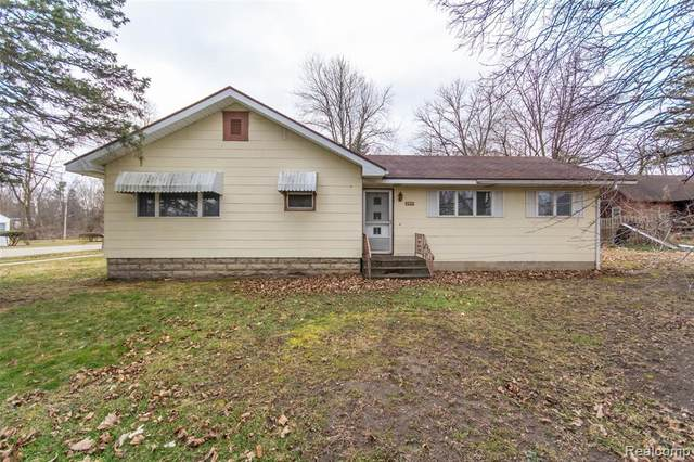 2901 Young Avenue, Lansing, MI 48906 (#2200021948) :: The Buckley Jolley Real Estate Team