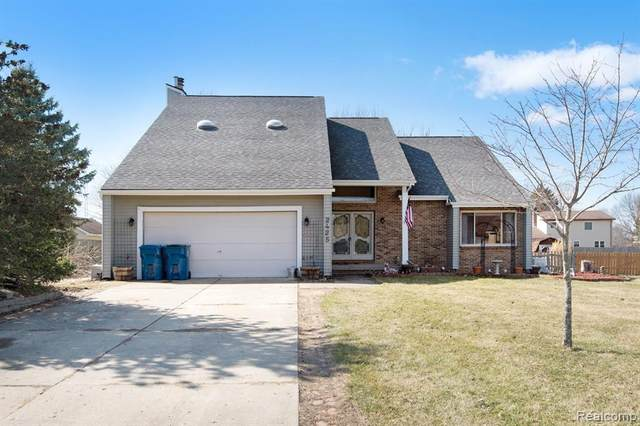 2425 Lost Creek Drive, Clayton Twp, MI 48433 (#2200022148) :: The Merrie Johnson Team