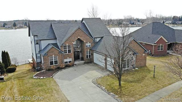 606 Bay Pointe Drive, Oxford Vlg, MI 48371 (#2200022163) :: The Alex Nugent Team | Real Estate One