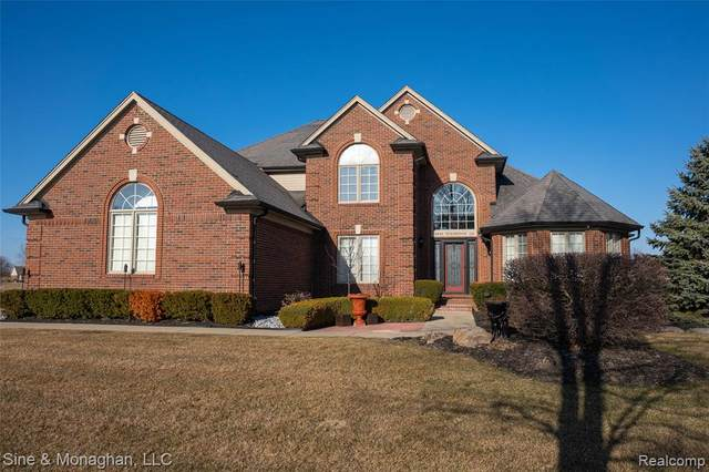 35849 Windridge Drive, New Baltimore, MI 48047 (#2200022221) :: Team DeYonker