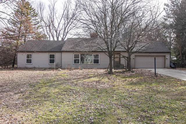 19476 Fry Road, Northville Twp, MI 48167 (#2200022423) :: Springview Realty