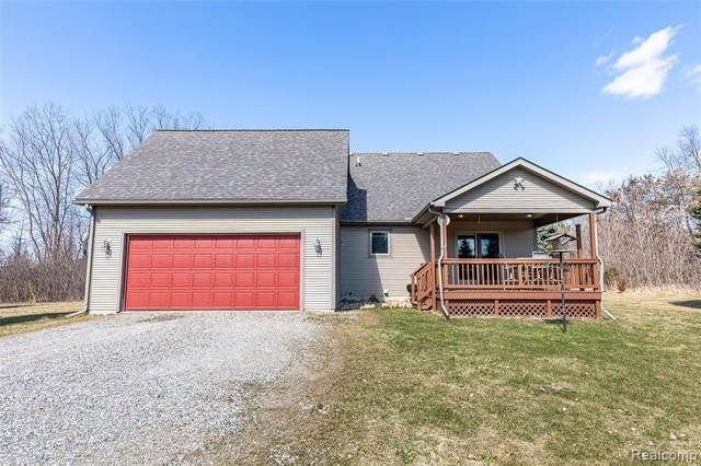 16207 Hilltop Drive, Argentine Twp, MI 48451 (#2200022521) :: The Buckley Jolley Real Estate Team