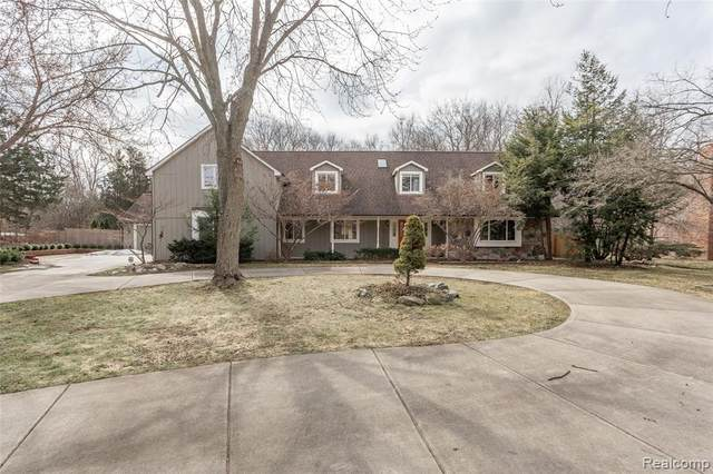1825 Huntingwood Lane, Bloomfield Hills, MI 48304 (#2200022598) :: Keller Williams West Bloomfield