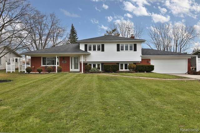 28431 Chatham Road, Grosse Ile Twp, MI 48138 (#2200022805) :: The Buckley Jolley Real Estate Team