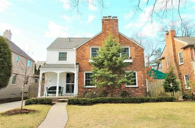 109 Meadow Lane, Grosse Pointe Farms, MI 48236 (#58050008723) :: The Mulvihill Group
