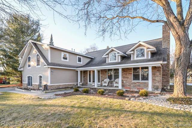 6441 Winans Lake Road, Hamburg Twp, MI 48116 (MLS #2200022958) :: The Toth Team