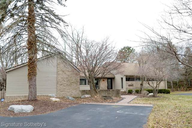 4387 Cherry Hill Drive, Orchard Lake Village, MI 48323 (#2200023047) :: Team DeYonker