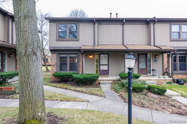 12411 Woodgate #26, Plymouth, MI 48170 (#2200023052) :: BestMichiganHouses.com