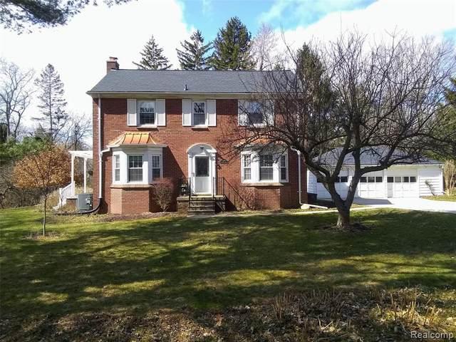 2391 Ayrshire Drive, Ann Arbor Twp, MI 48105 (#2200023463) :: The Mulvihill Group