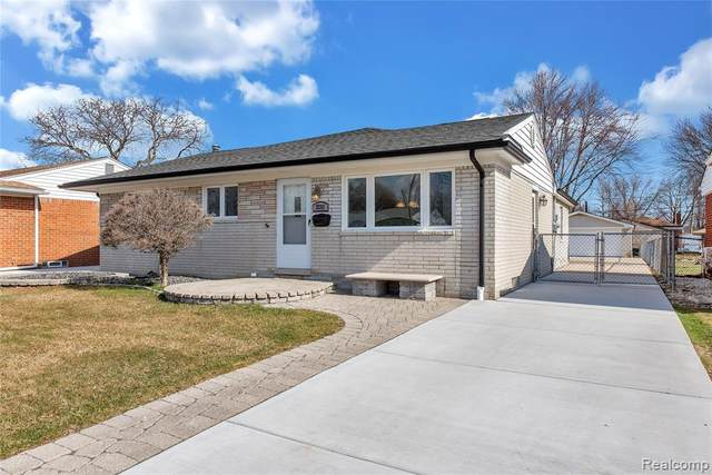 22313 Avon Street, Saint Clair Shores, MI 48082 (#2200023510) :: Springview Realty
