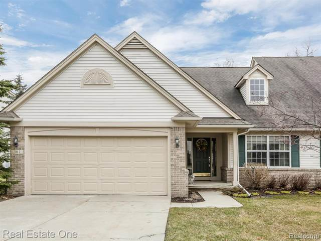 302 Four Seasons Drive, Orion Twp, MI 48360 (#2200023859) :: The Merrie Johnson Team