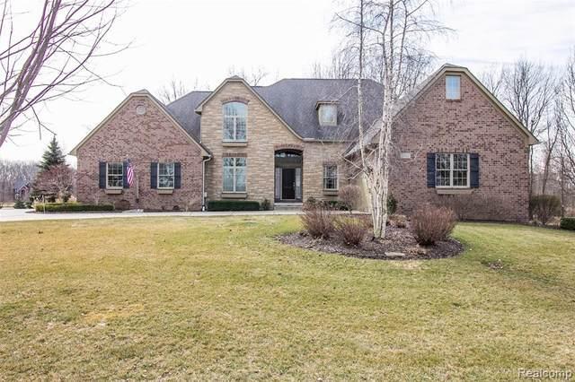 13767 Forest Ridge Circle, Green Oak Twp, MI 48178 (#2200024083) :: The Buckley Jolley Real Estate Team