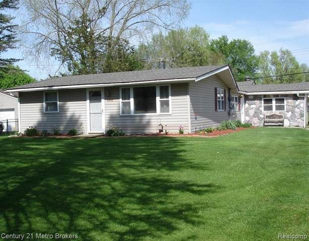 5052 Mary Sue Avenue, Independence Twp, MI 48346 (#2200024237) :: The Merrie Johnson Team