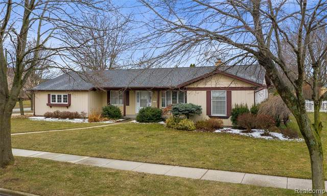 379 Harvest Lane, Frankenmuth, MI 48734 (#2200024254) :: The Buckley Jolley Real Estate Team