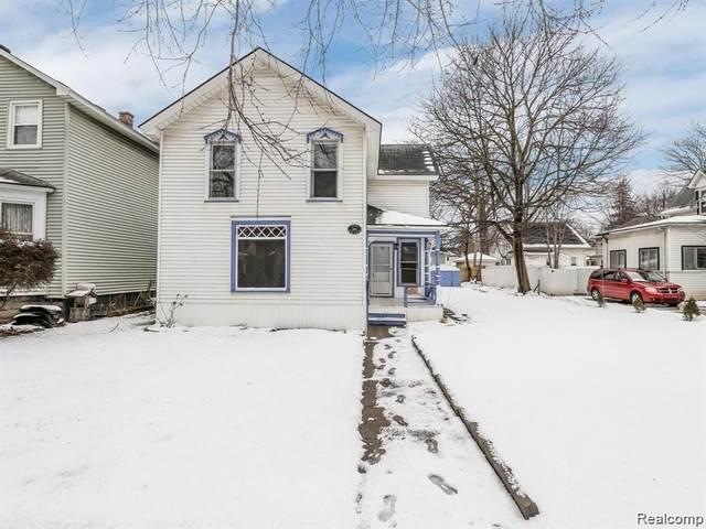 19 Hubbard Street, Mt. Clemens, MI 48043 (#2200024553) :: Springview Realty