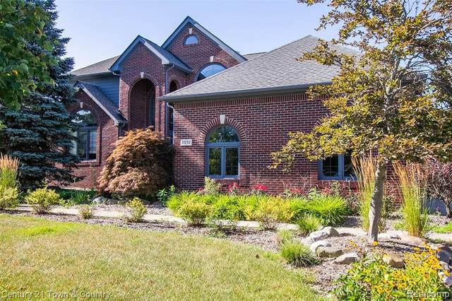 2992 Wakefield Court, Canton Twp, MI 48188 (#2200024703) :: The Mulvihill Group