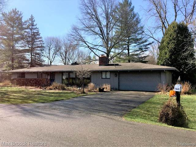 2751 Bolingbroke Drive, Troy, MI 48084 (#2200024811) :: Alan Brown Group