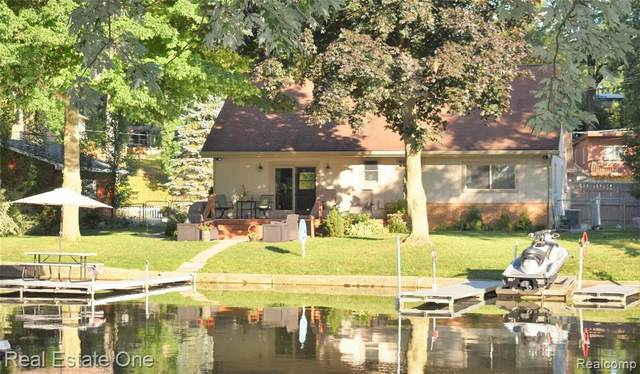 11950 Portage Lake Avenue, Putnam Twp, MI 48169 (#2200024813) :: The Buckley Jolley Real Estate Team