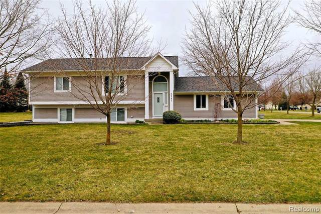 6347 Stone Hearth Pass, Grand Blanc Twp, MI 48439 (MLS #2200024926) :: The John Wentworth Group