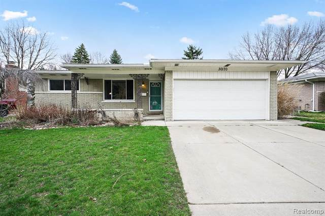 30170 Westwood Drive, Madison Heights, MI 48071 (#2200024986) :: Alan Brown Group