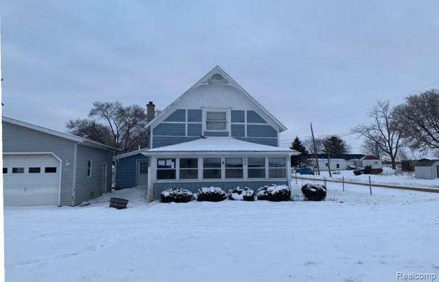 3957 W Jefferson Road, Pine River Twp, MI 48801 (MLS #2200024994) :: The John Wentworth Group