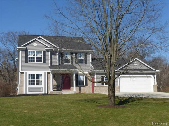 3384 Knoll Court, Highland Twp, MI 48356 (#2200025085) :: The Alex Nugent Team | Real Estate One
