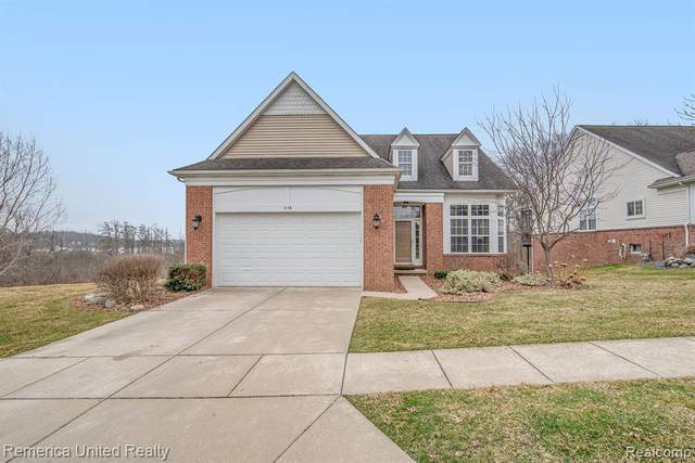 5148 Pentwater Dr, Genoa Twp, MI 48843 (#2200025166) :: The Mulvihill Group