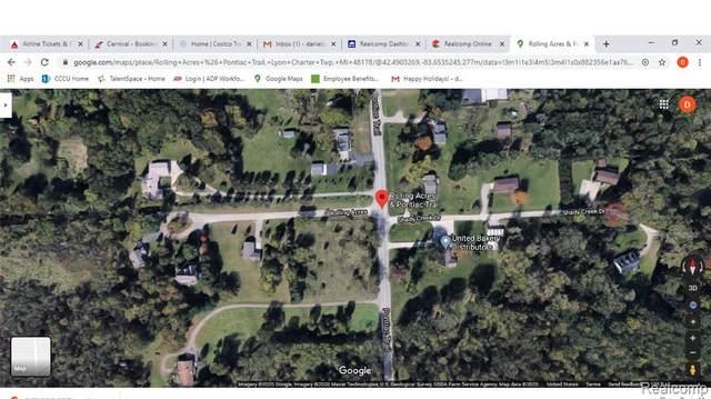 000 Pontiac Trail, Lyon Twp, MI 48178 (#2200025290) :: BestMichiganHouses.com