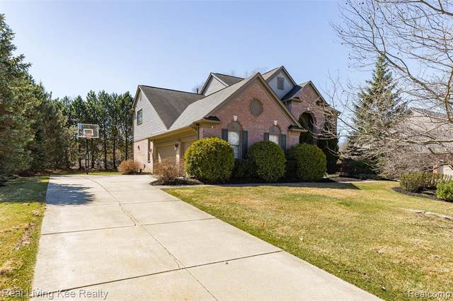 4240 Holly Ln, Oakland Twp, MI 48306 (#2200025340) :: GK Real Estate Team