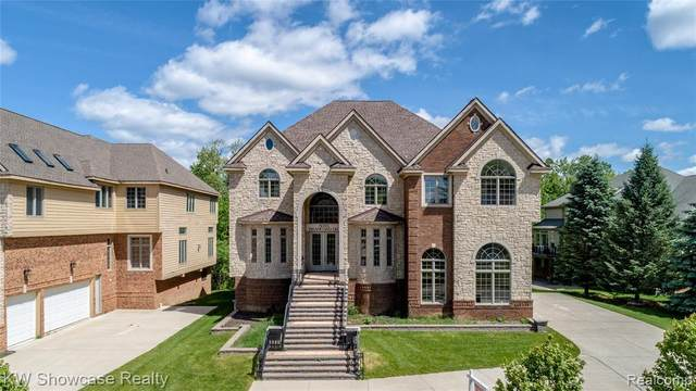 5699 Branford Drive, West Bloomfield Twp, MI 48322 (#2200026530) :: The Alex Nugent Team | Real Estate One