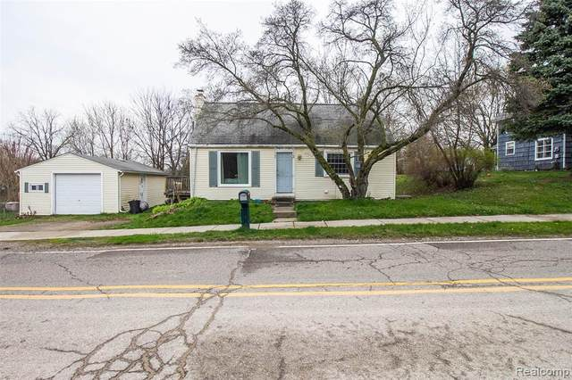 4188 S Oak Street, Metamora Vlg, MI 48455 (#2200027969) :: Alan Brown Group