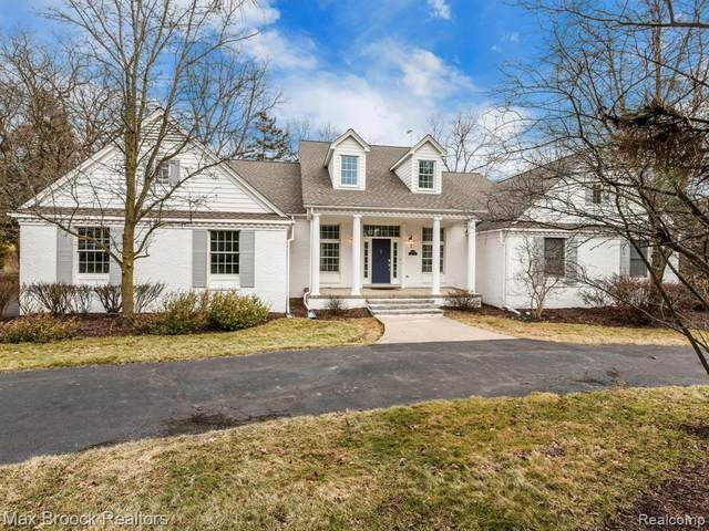 7499 Duval Drive, Bloomfield Twp, MI 48301 (#2200028757) :: BestMichiganHouses.com