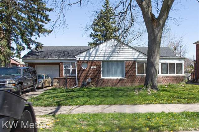 15881 Collingham Drive, Detroit, MI 48205 (#2200029211) :: BestMichiganHouses.com