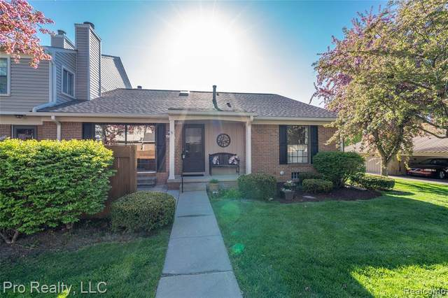 40001 Crosswinds, Novi, MI 48375 (#2200029841) :: The Mulvihill Group