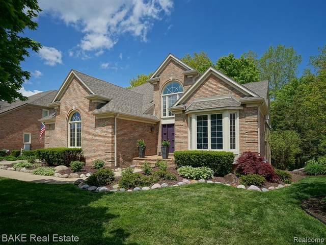 12306 Woodlands Court #6, Plymouth, MI 48170 (MLS #2200030146) :: The Toth Team