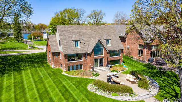 27705 Elba Drive, Grosse Ile Twp, MI 48138 (#2200030525) :: Real Estate For A CAUSE