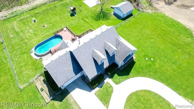 3960 Alex Court, Oxford Twp, MI 48371 (#2200030786) :: BestMichiganHouses.com
