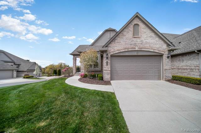 5720 Knob Hill Circle #30, Independence Twp, MI 48348 (#2200031207) :: Duneske Real Estate Advisors