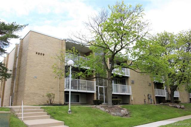 4909 Crooks Rd Apt D9, Royal Oak, MI 48073 (MLS #2200031660) :: The Toth Team