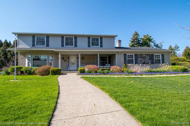 65 S Duval Road, Village of Grosse Pointe Shores, MI 48236 (MLS #2200031737) :: The Toth Team