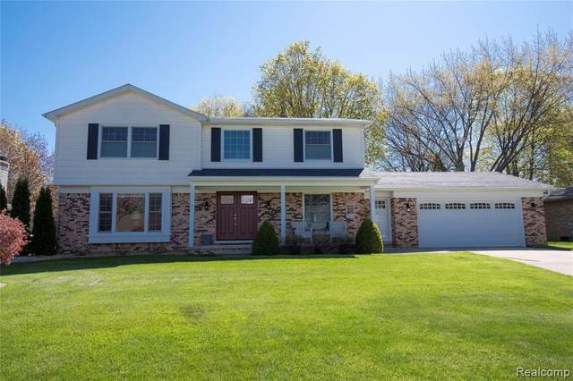52822 Belle Vernon, Shelby Twp, MI 48316 (MLS #2200033952) :: The John Wentworth Group