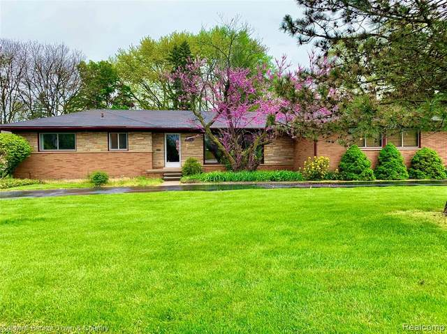 34330 Freedom Road, Farmington, MI 48335 (#2200034188) :: RE/MAX Nexus