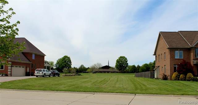 18718 Parke East Court, Riverview, MI 48193 (MLS #2200034987) :: The Toth Team