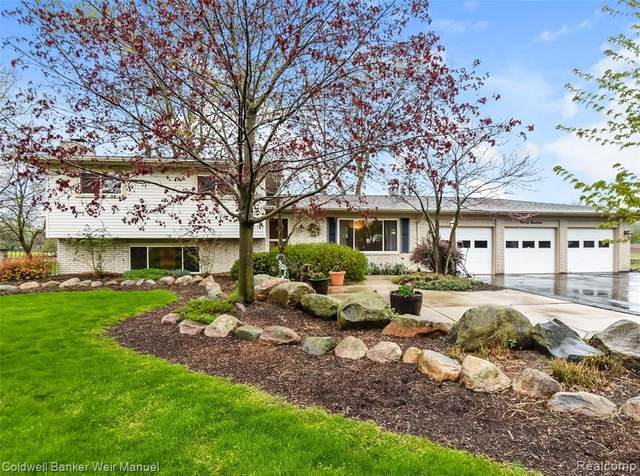 9019 N Canton Center Road, Plymouth Twp, MI 48170 (#2200035112) :: GK Real Estate Team