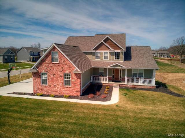 2365 Torrey Pine Ct, Hartland Twp, MI 48855 (MLS #2200035318) :: The Toth Team